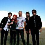 Urmariti noul videoclip live Paramore, Crushcrushcrush