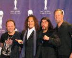Metallica au donat 8000 de dolari pentru o banca de mancare din Canada