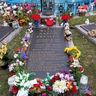 Poze Poze Elvis Presley - Mormantul lui Elvis Presley la Graceland